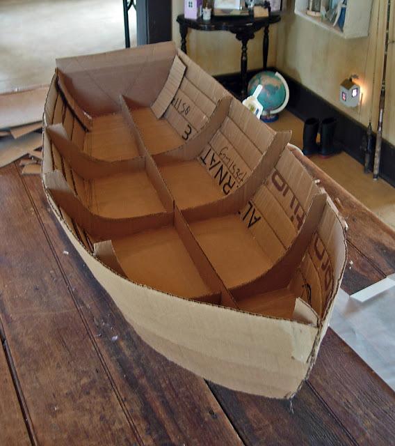 Как сделать из картона кораблик своими руками