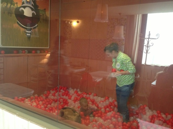 Андерсон на Братиславской, бассейн с шариками